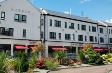 Co. Westmeath: 1 or 2 Nights for 2 with Irish Breakfast, Late Check-Out